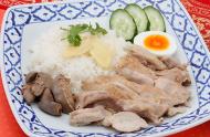 カオマンカイ(鶏肉と蒸しご飯)